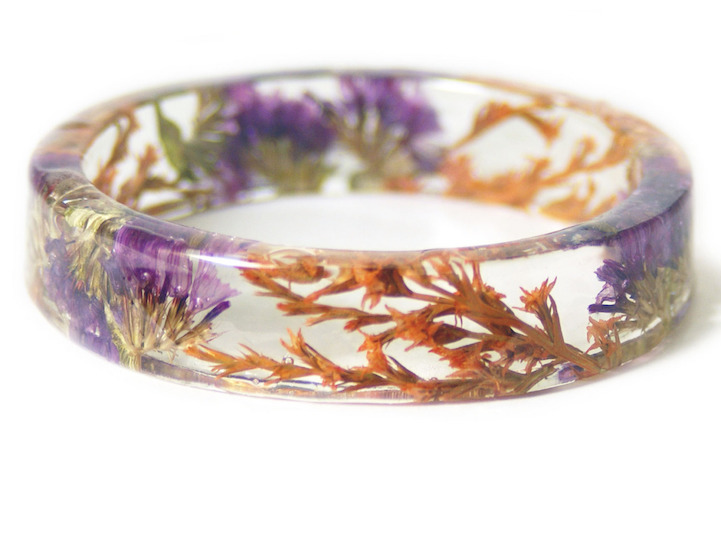 Bracelets Embedded with Flowers