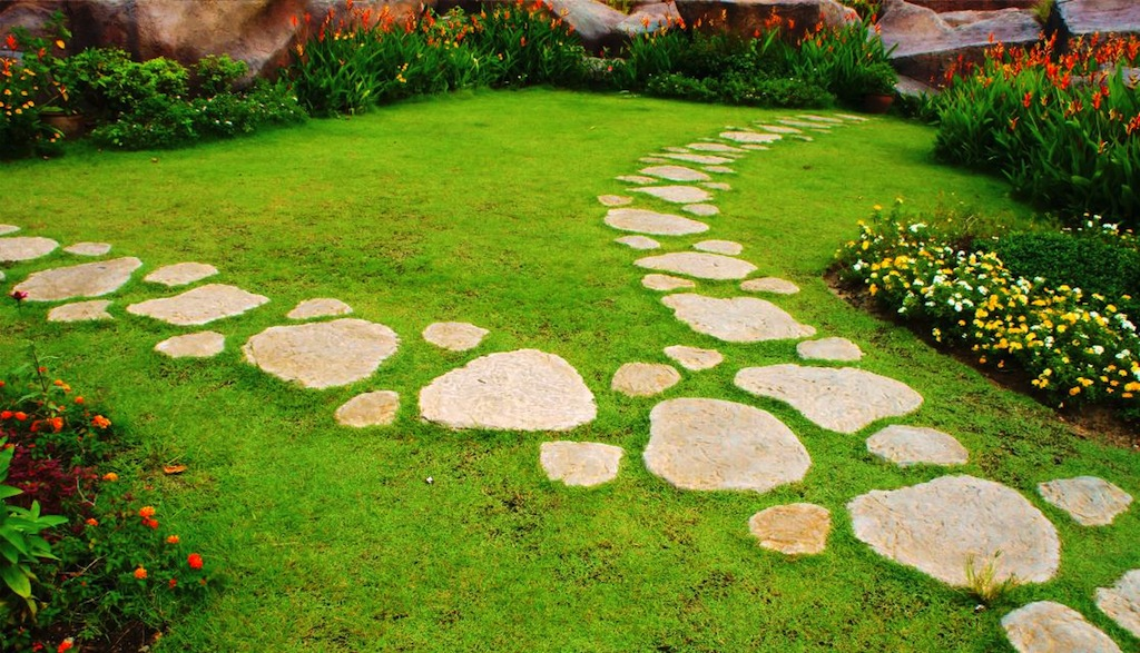 Ideas On How To Create An Affordable Garden Path